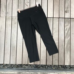 NIKE Dri-Fit Black Cropped Mid Waisted Leggings